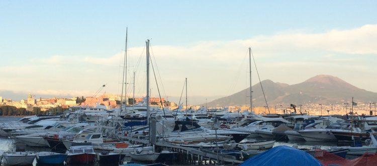 Se vuoi dormire a Napoli vicino al Nauticsud 2020 dal 8 al 16 febbraio quest'anno, come sempre, ti aspettiamo al nostro bed and Breakfast a Napoli vicinissimo alla Mostra d'Oltremare.