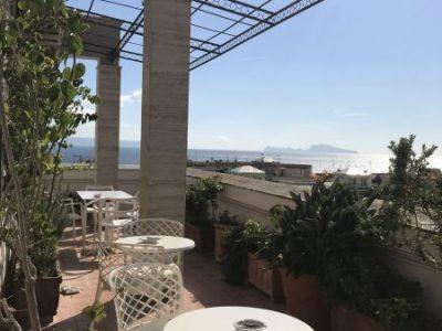Terrazza con Capri