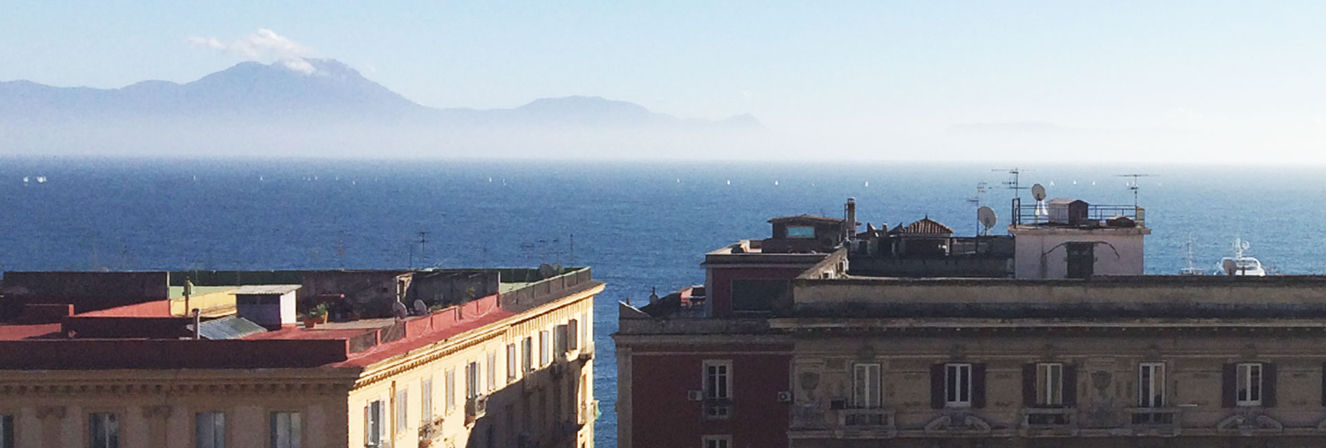 Casa Mira Napoli - Bed & Breakfast sul Lungomare Caracciolo