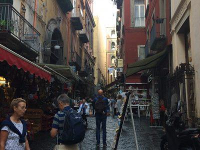 Il nostro BB Napoli , Casa Mira Napoli vi consiglia una passeggiata per i Mercatini di San Gregorio ArmenoBed & Breakfast Napoli presenta passeggiate a Napoli. San Gregorio per Pasqua