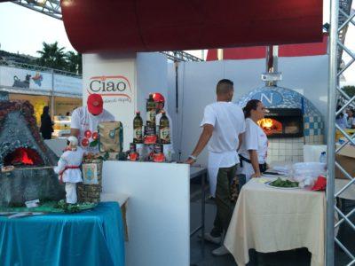 Poter dormire vicino al lungomare e visitare il Pizza Festival Village dal 13 al 22 settembre 2019 : Bed & Breakfast Casa Mira Napoli .