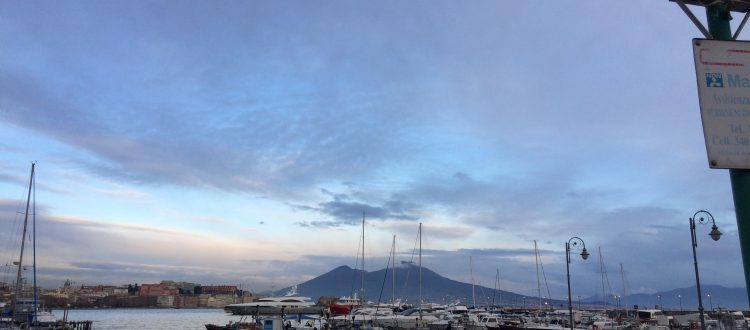 Dormire a Napoli in Bed and breakfast e concerto jazz nella Galleria Borbonica Barche a mergellina