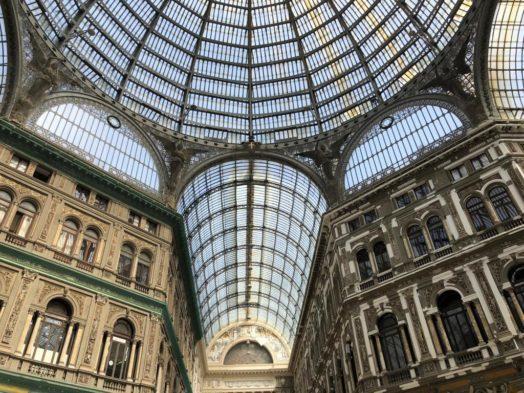 Soggiorno a Napoli durante il Black Friday , dal 23 novembre al 25.